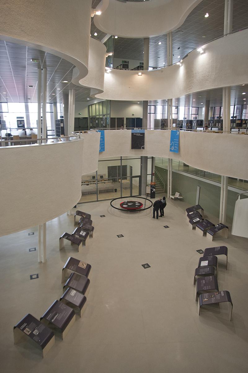 Kévin Cadinot, plasticien – scénographe : Au Havre la terre tourne