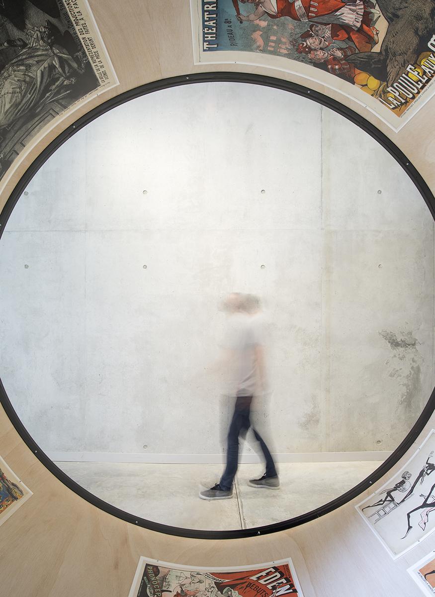 Kévin Cadinot, plasticien – scénographe : La fabrique de l'affiche